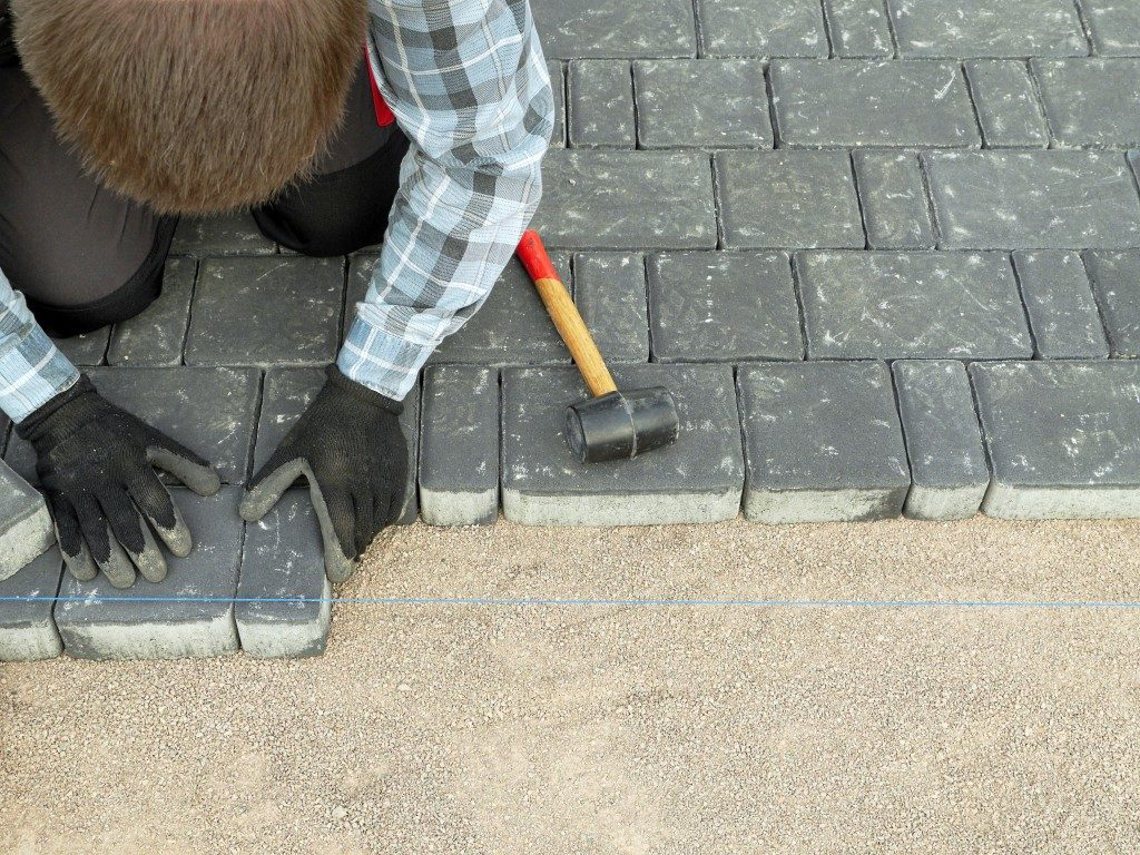 Paver laying to get the full effect of your chosen design